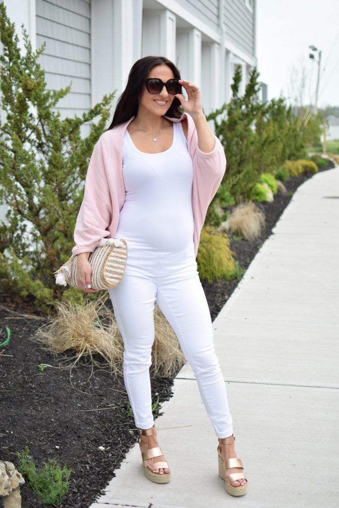 Spring Outfit Ideas With Peach Fit Mommy In Heels