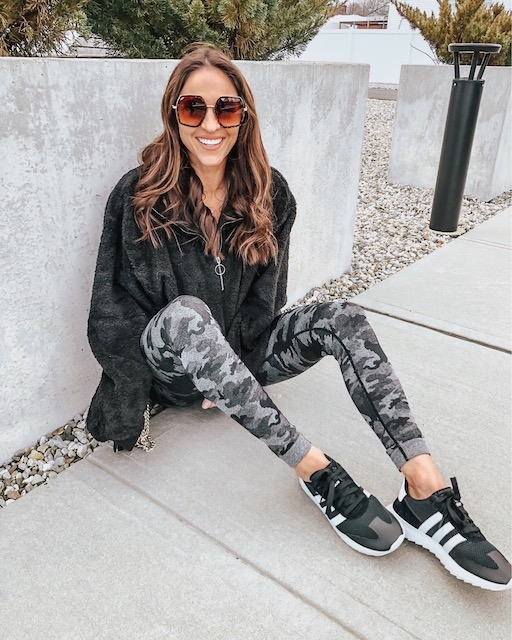 8 Cute, Comfy Outfits Perfect For Staying In