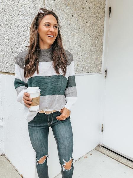 woman wearing blue color block sweater - cheap online boutiques